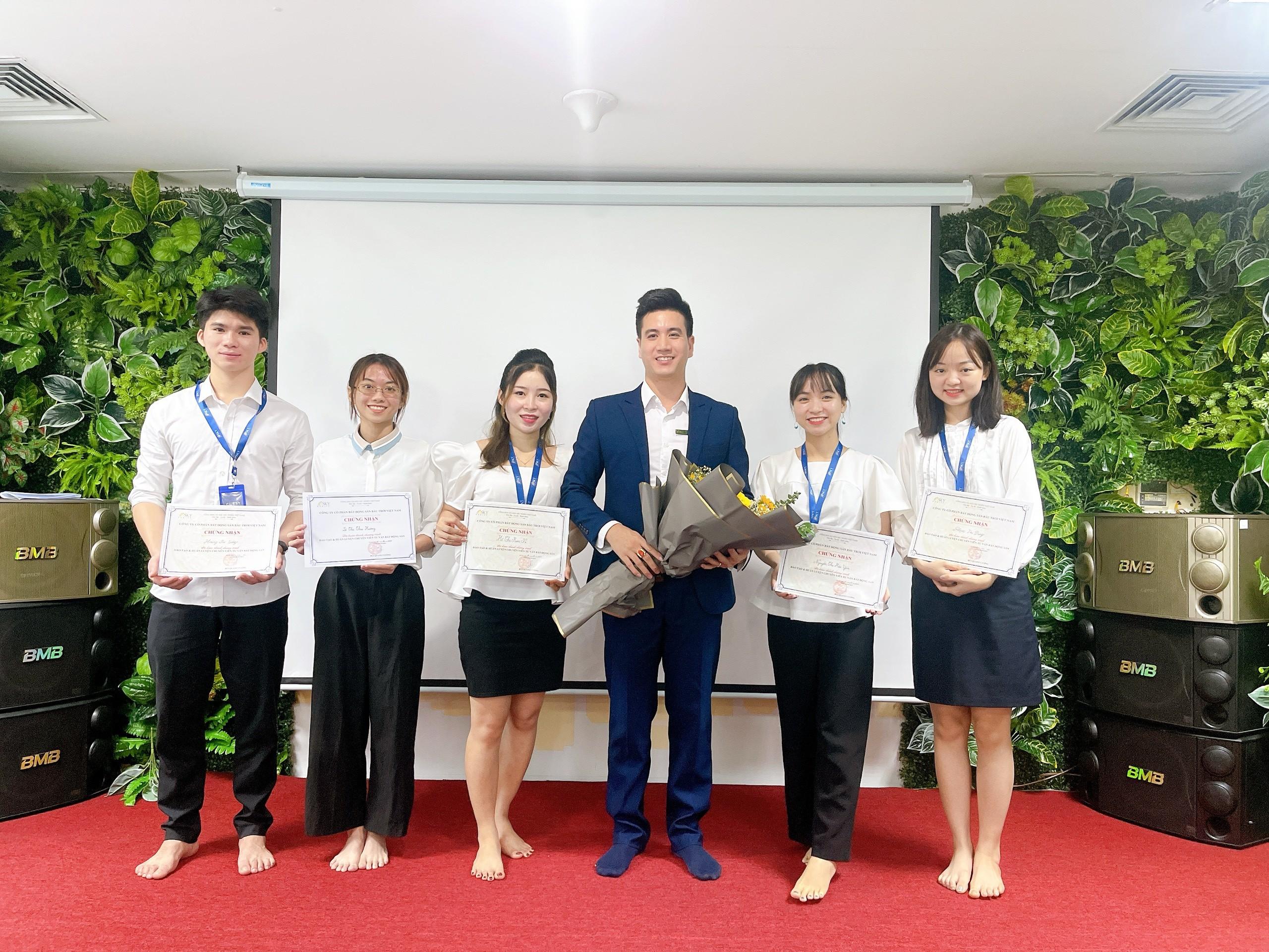 Các học viên xuất sắc của chi nhánh HN1